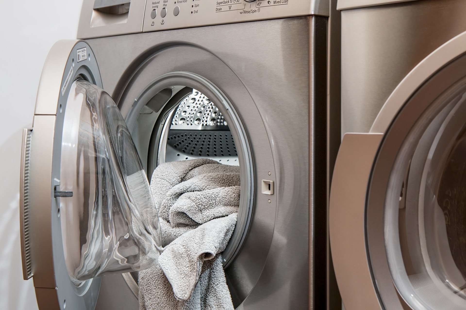 https://cleandy.co.uk | HOW TO GET A BAD SMELL OUT OF YOUR DRYER - img-blog