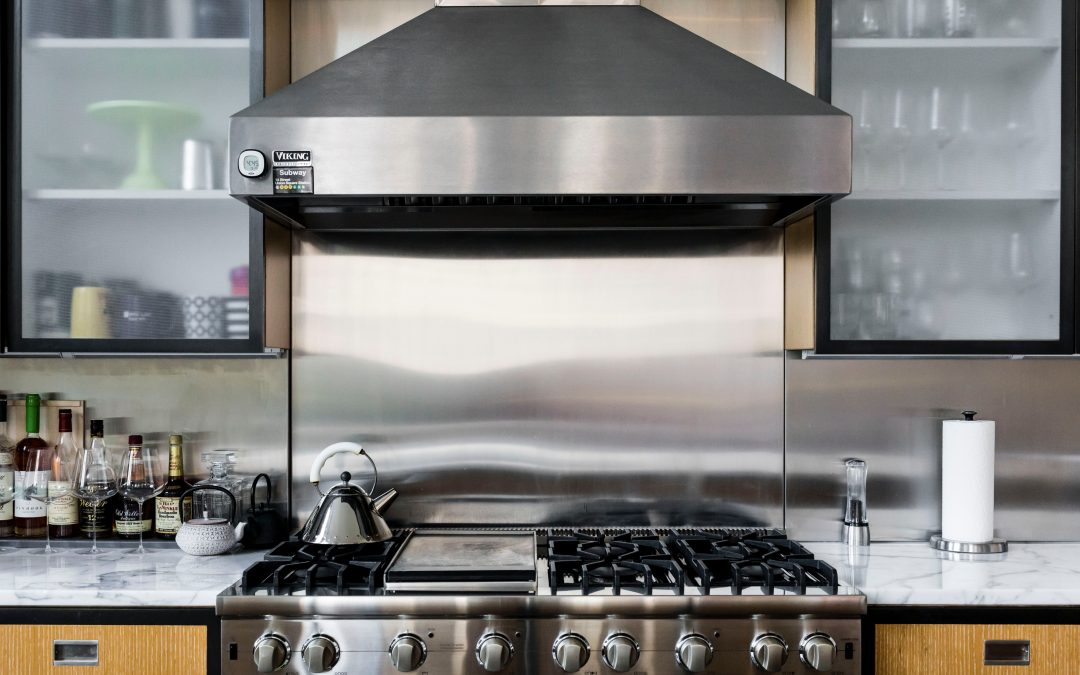 How to clean oven with vinegar steam?